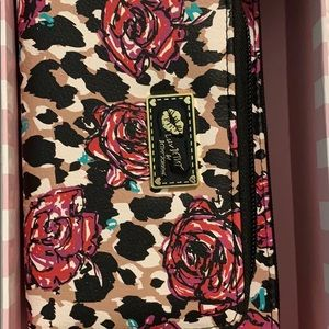 Rose with cheetah spots Betsey Johnson wallet